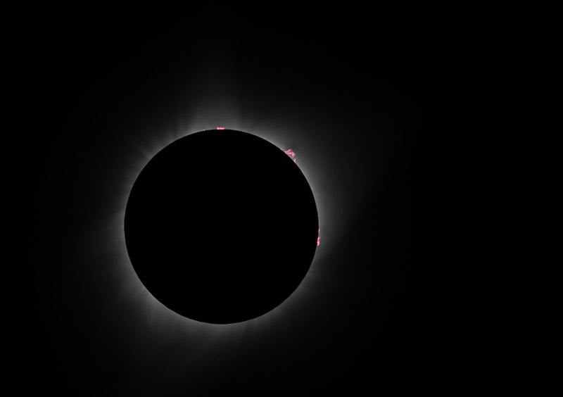 Eclipse photography prominences